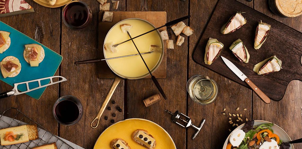 Der Tisch voller Käse von Roland Barthélemy